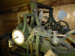 L'horloge mécanique, encore en place